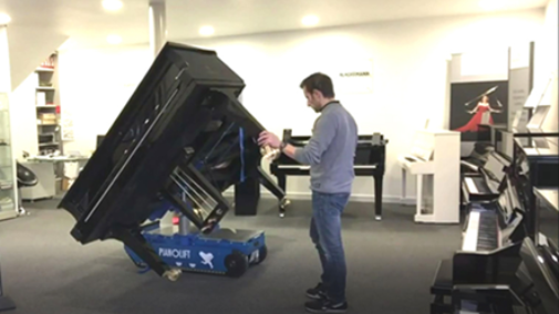 Piano lift machine